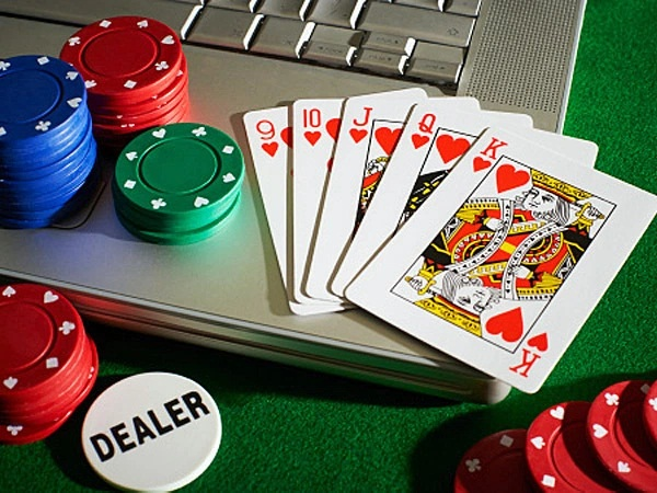 There are specific fundamental steps that must be adopted while playing the internet poker game. You have to select a poker site by installing and